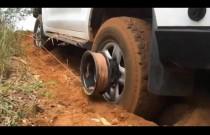 Bush Winch - nietypowa wyciągarka montowana na feldze