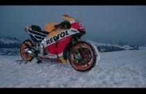 Marc Marquez szaleje motocyklem po śniegu