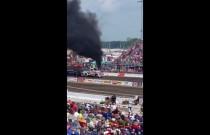 Silnik eksplodował podczas zawodów i dosłownie wyskoczył spod maski