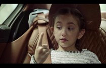 Nietypowa reklama wypożyczalni aut Sixt