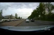 W Rosji nawet studzienki kanalizacyjne chcą zabić kierowców