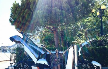Carina Lima – kobieta która jeździ Koenigseggiem One:1 [GALERIA]