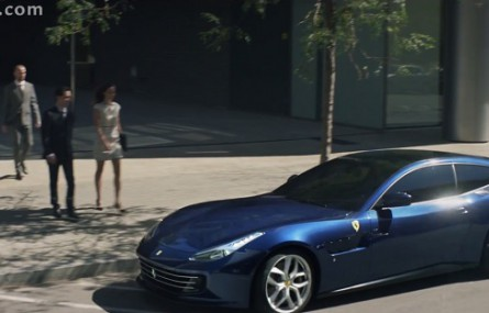 Nietypowa reklama Ferrari GTC4 Lusso T