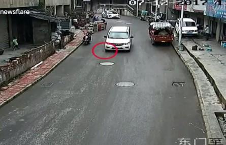 Oto co może zrobić szklana butelka pozostawiona na ulicy