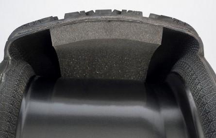 Cichsza jazda zimą dzięki oponom Goodyear z technologią Sound Comfort