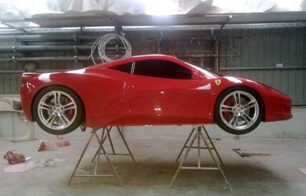 Podrabiali Ferrari - pójdą siedzieć!