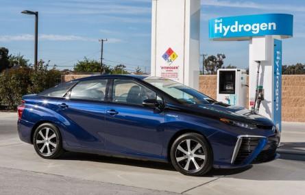 Toyota i Shell chcą rozbudować sieć punktów tankowania wodoru  w Kalifornii